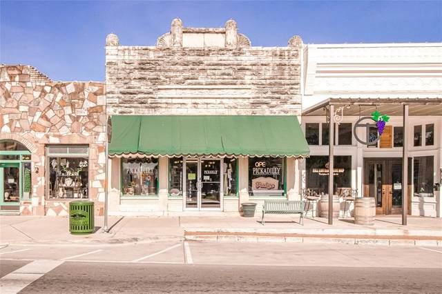 102 N Houston Street, Granbury, TX 76048 (MLS #14590457) :: VIVO Realty