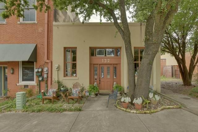 132 E 1st Street, Lancaster, TX 75146 (MLS #14591544) :: Team Hodnett