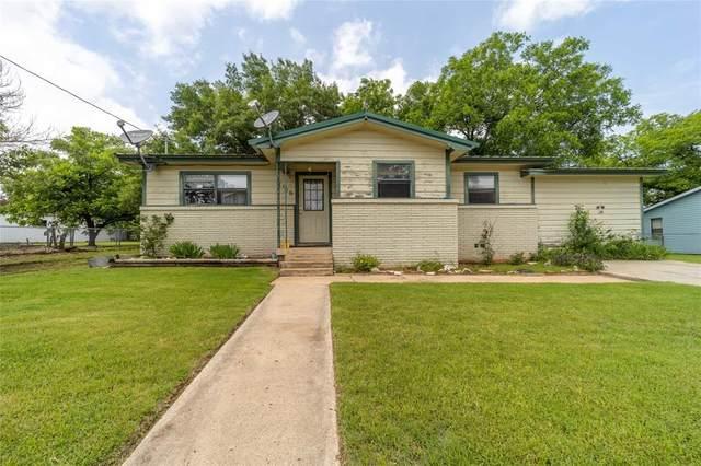 1109 E Walcott Avenue, Comanche, TX 76442 (MLS #14592074) :: Real Estate By Design