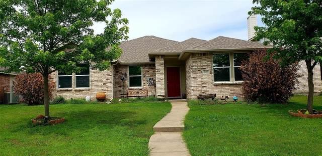 2711 Lake Terrace Drive, Wylie, TX 75098 (MLS #14592464) :: Real Estate By Design
