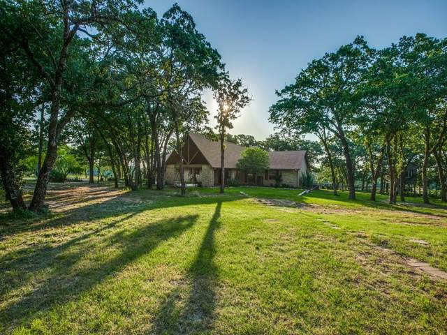 5388 E Lone Oak Road, Valley View, TX 76272 (MLS #14592475) :: Real Estate By Design