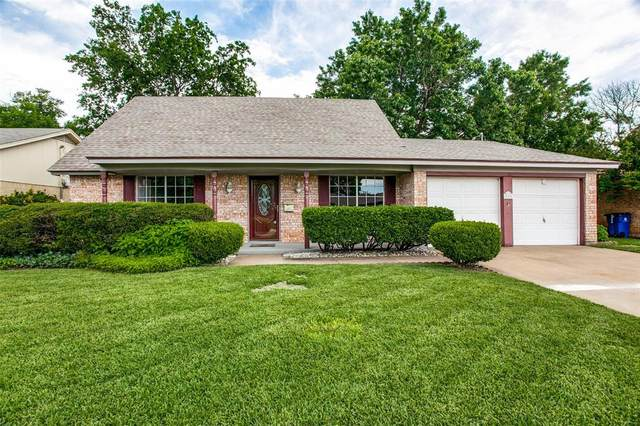 805 Ash Street, Burleson, TX 76028 (MLS #14592542) :: Front Real Estate Co.