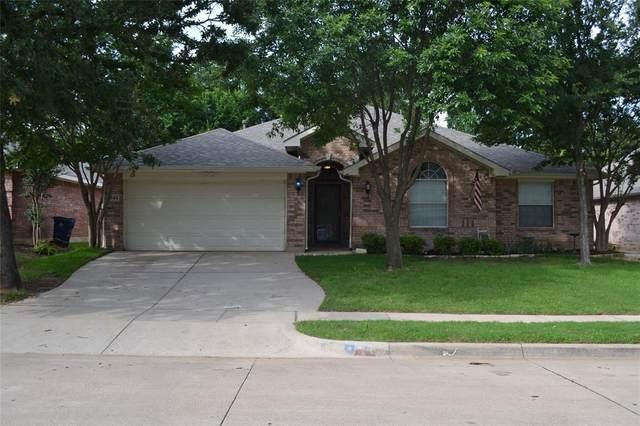 541 Oakbrook Drive, Burleson, TX 76028 (MLS #14593288) :: The Daniel Team