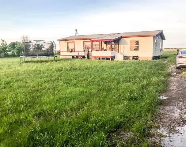 5804 Martin Creek Drive, Joshua, TX 76058 (MLS #14593481) :: Real Estate By Design