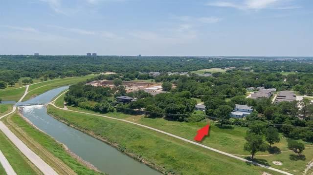 327 Nursery Lane, Fort Worth, TX 76114 (MLS #14593637) :: The Chad Smith Team