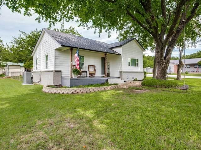 1611 N Mcdonald Avenue, Decatur, TX 76234 (MLS #14593895) :: Real Estate By Design