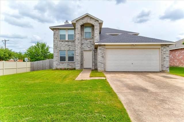 2103 Oryx Lane, Grand Prairie, TX 75052 (MLS #14594036) :: Real Estate By Design