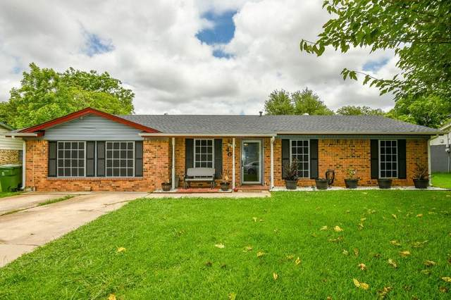 407 Live Oak Drive, Mansfield, TX 76063 (MLS #14594516) :: The Chad Smith Team