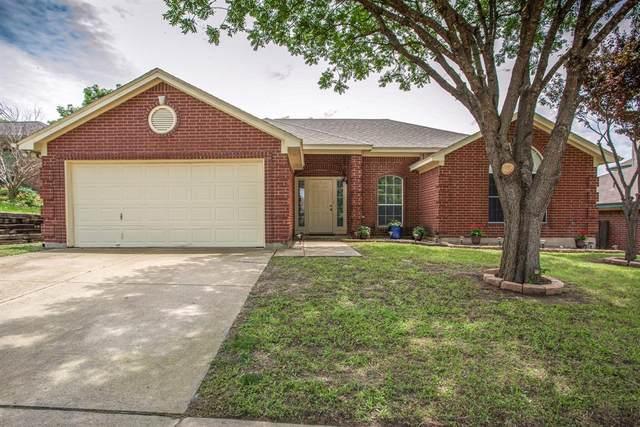 10613 Cobblestone Drive, Benbrook, TX 76126 (MLS #14594753) :: Real Estate By Design