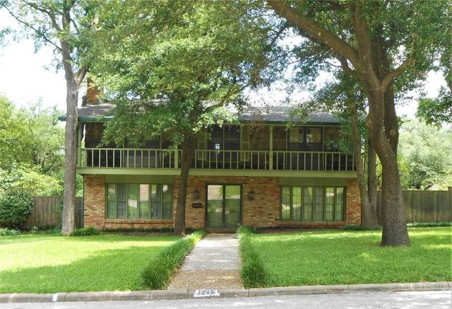 1209 Dundale Circle, Sherman, TX 75092 (#14594968) :: Homes By Lainie Real Estate Group