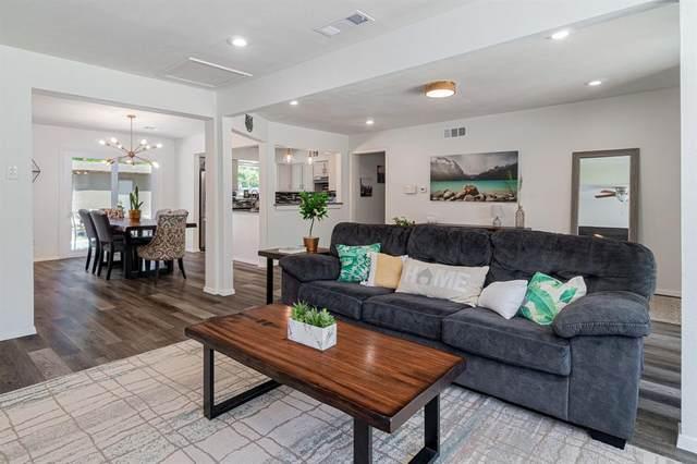 11367 Lippitt Avenue, Dallas, TX 75218 (MLS #14595073) :: Real Estate By Design