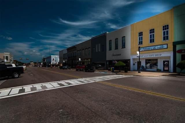 214 W Main Street, Denison, TX 75020 (MLS #14595723) :: The Russell-Rose Team