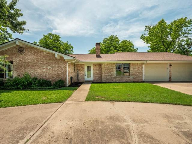 215 Sharp Drive, Stephenville, TX 76401 (MLS #14595814) :: The Hornburg Real Estate Group
