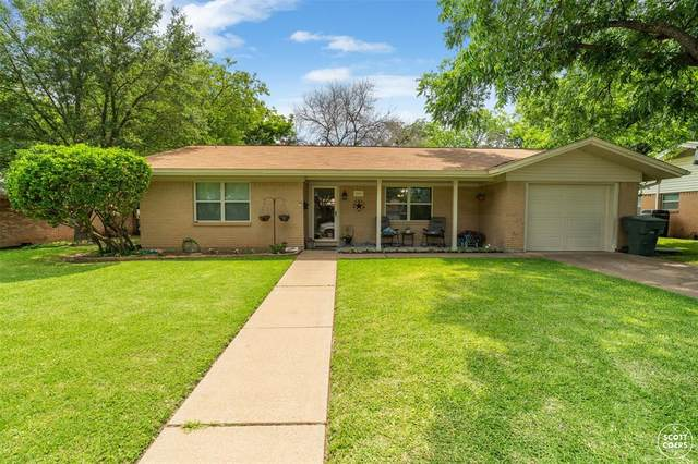 2003 9th Street, Brownwood, TX 76801 (MLS #14595861) :: The Chad Smith Team