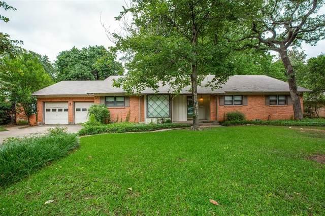 2500 Crestwood Place, Denton, TX 76209 (MLS #14596191) :: The Mauelshagen Group