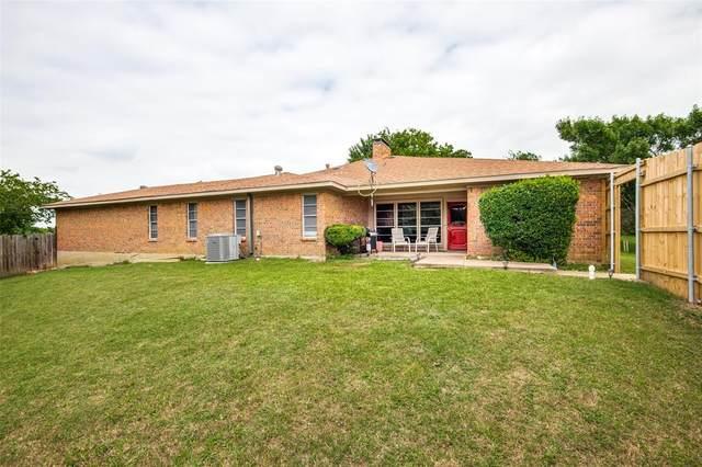 2161 Villa Place A, Carrollton, TX 75006 (MLS #14596480) :: Real Estate By Design