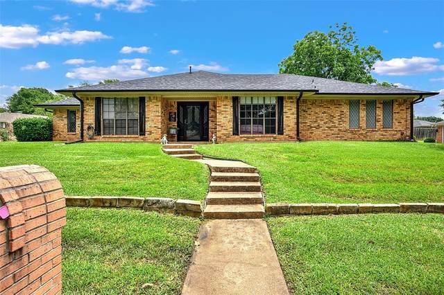 700 Briarwood Drive, Denison, TX 75020 (MLS #14596869) :: Craig Properties Group