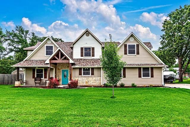 204 Susan Drive, Pottsboro, TX 75076 (MLS #14596984) :: Real Estate By Design
