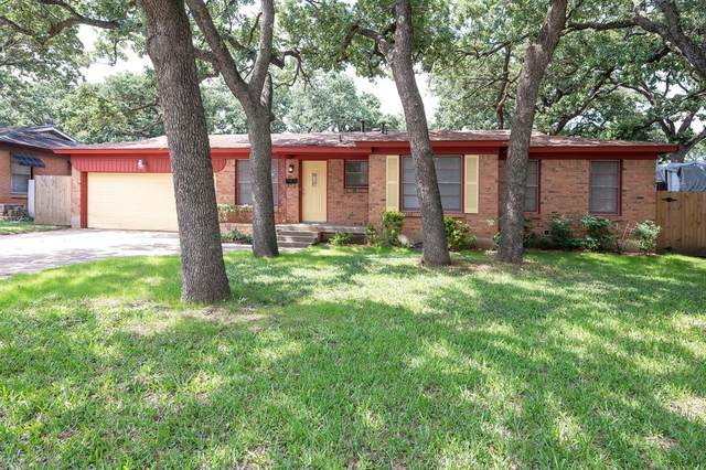 341 Bedford Court E, Bedford, TX 76022 (MLS #14597358) :: Real Estate By Design