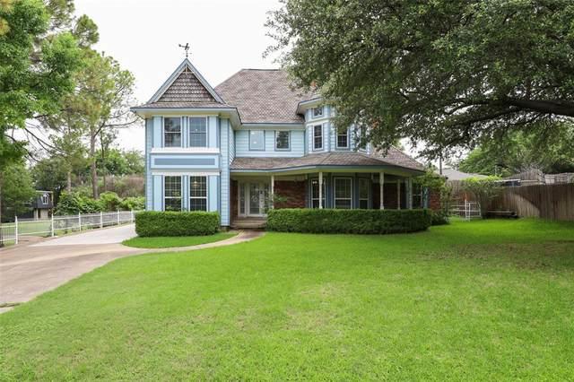 2117 Briarwood Drive, Grand Prairie, TX 75050 (#14597396) :: Homes By Lainie Real Estate Group