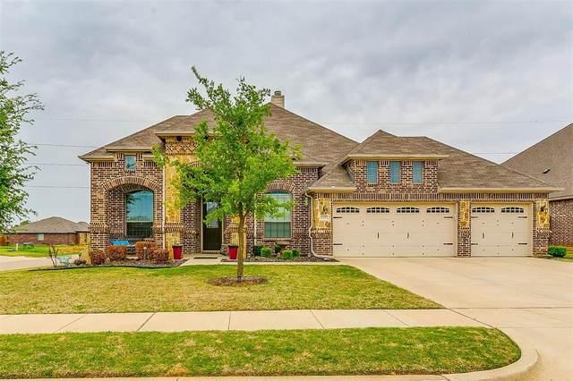 1172 Sapphire Lane, Burleson, TX 76058 (MLS #14597507) :: Real Estate By Design