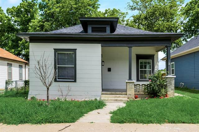 1105 W Chestnut Street, Denison, TX 75020 (MLS #14597653) :: Craig Properties Group