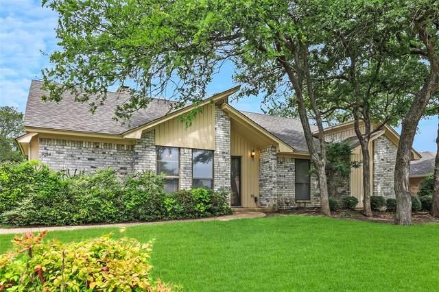 2028 Parkridge Drive, Hurst, TX 76054 (MLS #14597983) :: The Heyl Group at Keller Williams