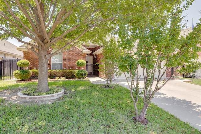 8220 Trinity Vista Trail, Fort Worth, TX 76053 (#14598323) :: Homes By Lainie Real Estate Group