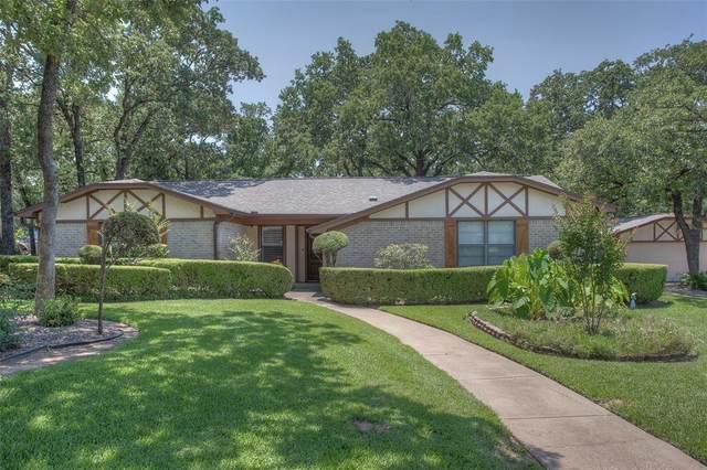 204 Shadowoak Drive, Burleson, TX 76028 (MLS #14598329) :: The Krissy Mireles Team