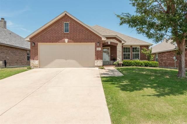 916 Grant Street, Burleson, TX 76028 (MLS #14598382) :: The Mauelshagen Group