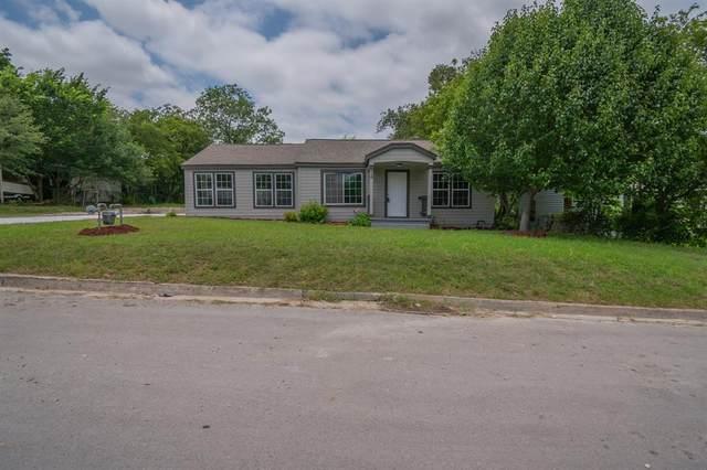 816 Meadow Park Drive, White Settlement, TX 76108 (MLS #14598395) :: Team Tiller