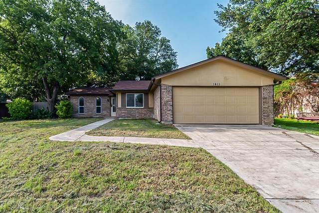 1411 Roanoke Street, Arlington, TX 76014 (MLS #14598417) :: The Heyl Group at Keller Williams