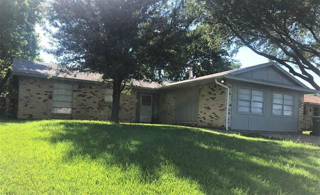 713 Cindy Drive, Cedar Hill, TX 75104 (#14598457) :: Homes By Lainie Real Estate Group
