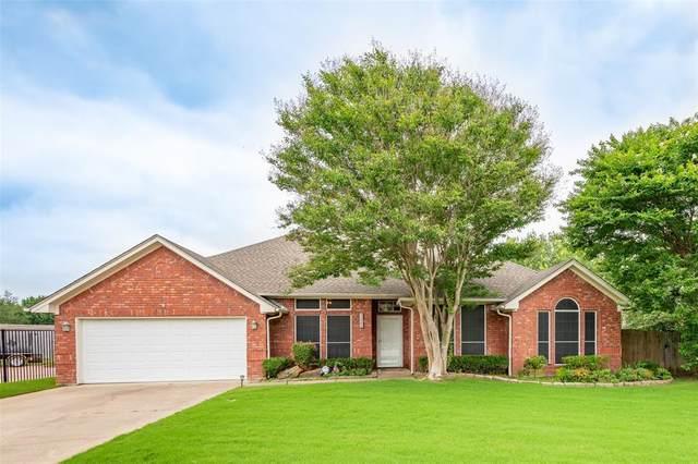 3300 Oakdale Court, Hurst, TX 76054 (MLS #14598482) :: The Heyl Group at Keller Williams
