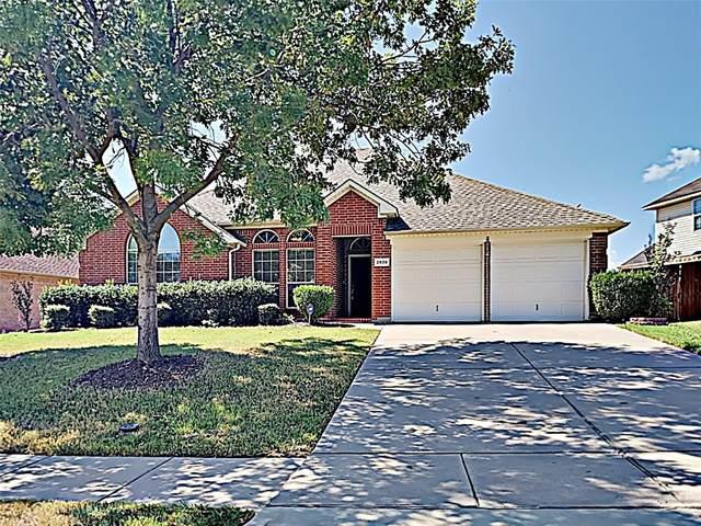 2939 Alyson Way, Grand Prairie, TX 75052 (MLS #14598604) :: Real Estate By Design