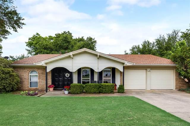 2133 Mountainview Drive, Hurst, TX 76054 (MLS #14598751) :: The Heyl Group at Keller Williams