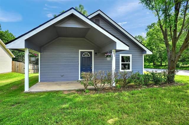 901 W Elm Street, Denison, TX 75020 (MLS #14598869) :: Trinity Premier Properties