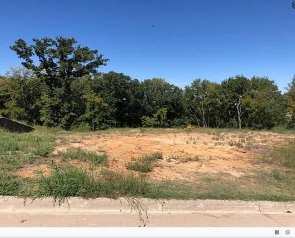 1608 Emerald Knoll Drive, Keller, TX 76248 (MLS #14598934) :: The Heyl Group at Keller Williams