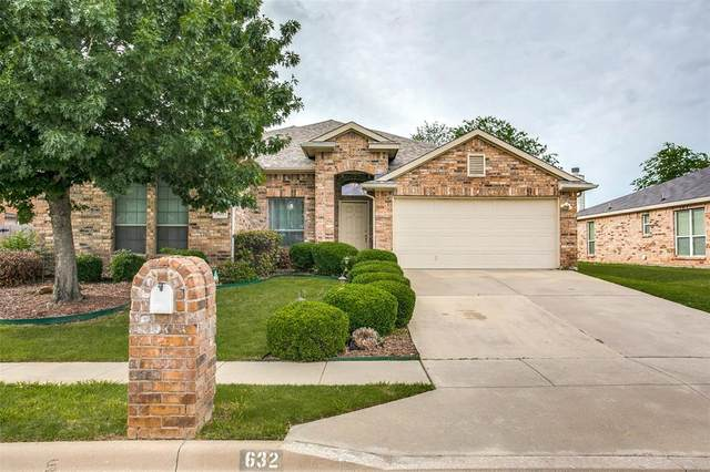 632 Bent Oak Drive, Fort Worth, TX 76131 (MLS #14598975) :: Keller Williams Realty