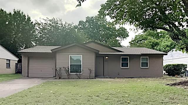 1202 Johns Drive, Euless, TX 76039 (MLS #14599131) :: Rafter H Realty