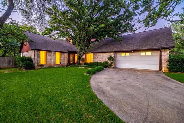 520 Cumberland Drive, Hurst, TX 76054 (#14599177) :: Homes By Lainie Real Estate Group
