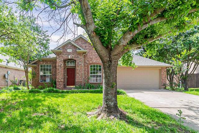2529 Greenhaven Drive, Burleson, TX 76028 (MLS #14599392) :: Real Estate By Design