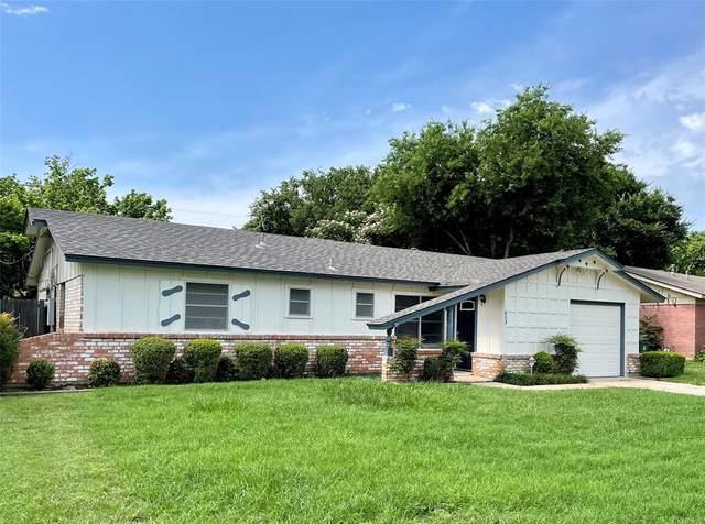 653 W Cedar Street, Hurst, TX 76053 (MLS #14599623) :: Maegan Brest | Keller Williams Realty
