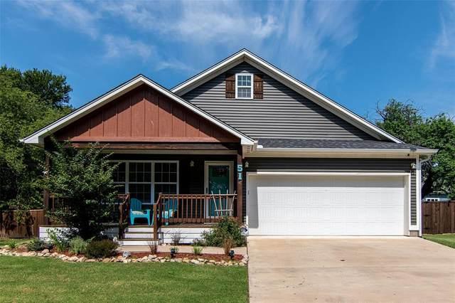 51 Hickory Drive, Pottsboro, TX 75076 (MLS #14599778) :: Real Estate By Design