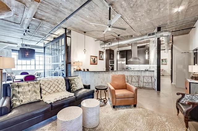 120 Saint Louis Avenue #309, Fort Worth, TX 76104 (MLS #14599821) :: The Mitchell Group