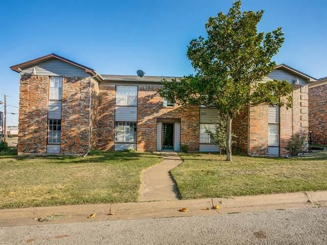 8036 Cambridge Circle, White Settlement, TX 76108 (MLS #14599937) :: The Heyl Group at Keller Williams