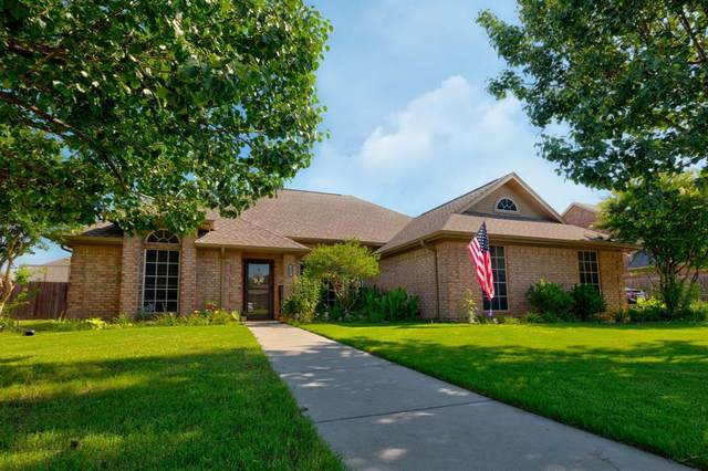 606 Maple Drive, Pilot Point, TX 76258 (MLS #14600227) :: Real Estate By Design