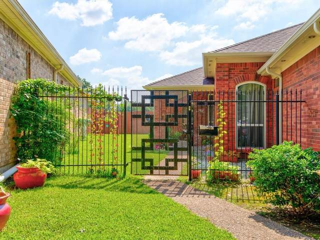 700 Ricker Court, Irving, TX 75061 (MLS #14600485) :: All Cities USA Realty