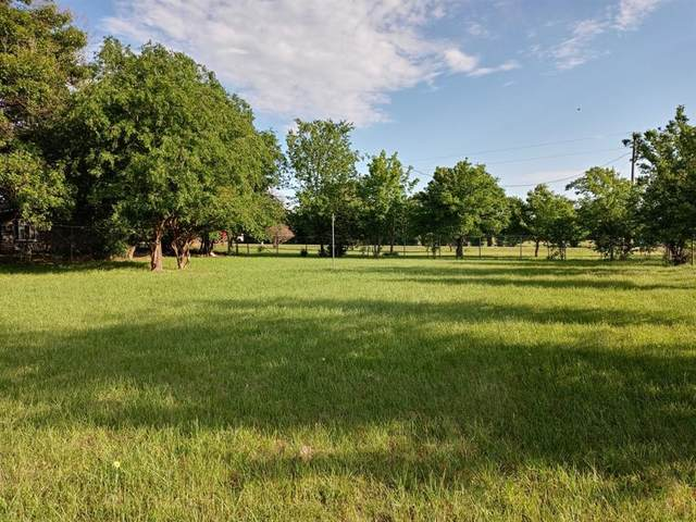 18022 Tydings Road C, Justin, TX 76247 (#14600735) :: Homes By Lainie Real Estate Group