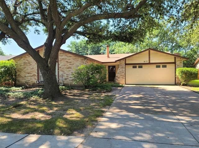 613 W Crossland Boulevard, Grand Prairie, TX 75052 (MLS #14600751) :: The Chad Smith Team